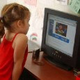 """""""Voici venuuuuu le teeeemps des rires et""""...des enfants livrés à eux-mêmes sur internet puisque récemment, la C. E. (Commission Européenne) a fait établir une enquête (via un institut d'études spécialisé nommé OPTEM, avec le"""