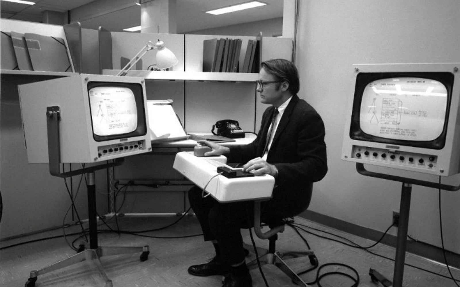 William Kirk English : le père de la souris informatique s'est éteint à l'âge de 91 ans ! (depuis le 26 Juillet 2020...)