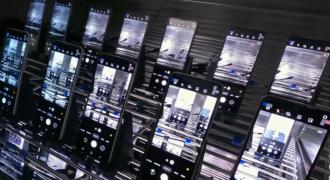 [Insolite] Samsung : avant l'Unpacked, le fabricant muscle ses arguments commerciaux avec cette vidéo éprouvant la robustesse des Galaxy Z Fold 3 et Z Flip 3 !